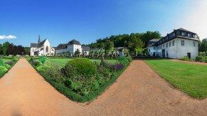 Barockgarten mit Abteikirche, Abteigebäude und Torhaus