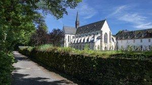 Blick zur Abteikirche