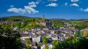 Blick zum Schlossberg mit Wilhelmsturm
