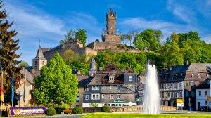 Oberstadt mit Obertor, Ev. Kirche und Wilhelmsturm