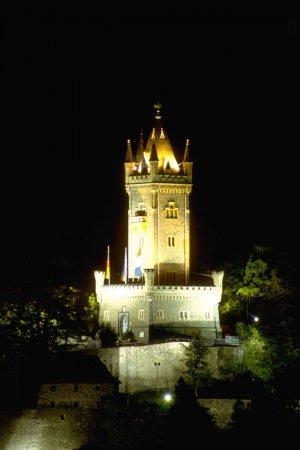 Wilhelmsturm bei Nacht